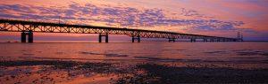 Este puente representa el camino del cambio en la psicología y el aprendizaje. Largo y seguro